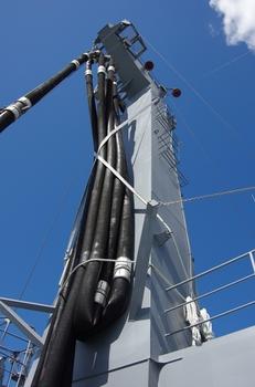 2013年8月28日(水)補給艦ましゅう 002.jpg