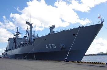 2013年8月28日(水)補給艦ましゅう 007.jpg