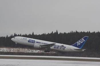 2016年2月22日(月)秋田空港・スターウォーズ・K3保存用 030.JPG